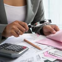 Банкам запретили без судов взыскивать у людей спорные долги